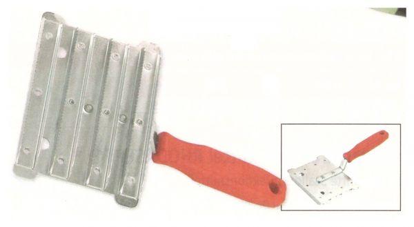 Metallstriegel, grob